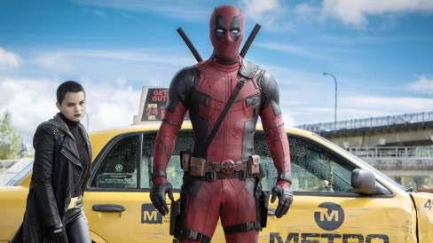 Deadpool-2016-Movie-Poster-4K-Wallpaper